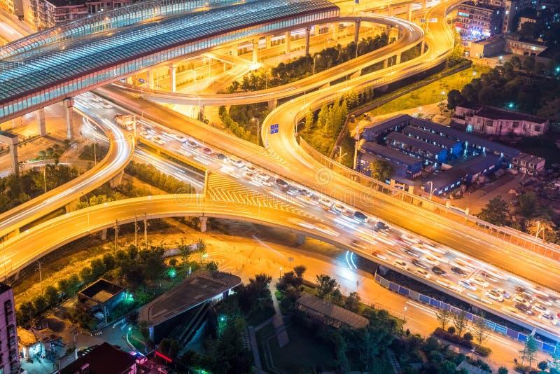Stadtaustauschnahaufnahme mit Verkehrsstockung lizenzfreie stockfotografie