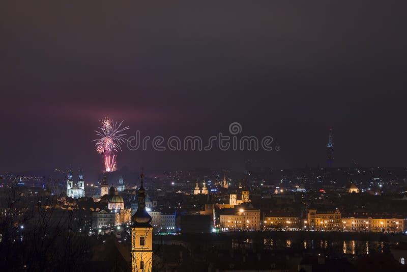 Stadtbild der Nacht Prag lizenzfreie stockbilder