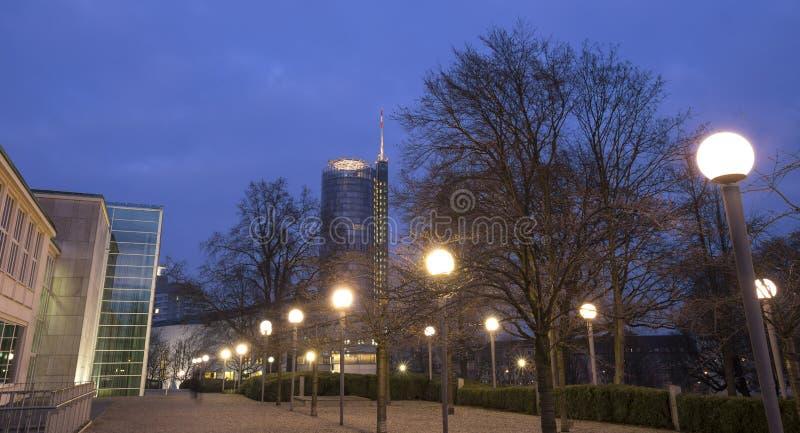 Stadtbild Essen Deutschland am Abend stockfoto
