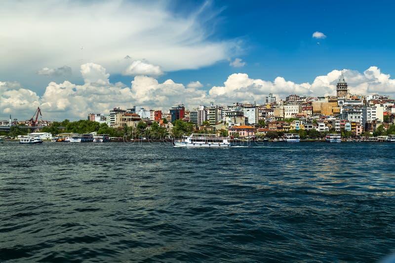 Stadtbild Galata-Turm-große Anziehungskraft-goldenes Horn in Istanbul, die Türkei lizenzfreie stockbilder
