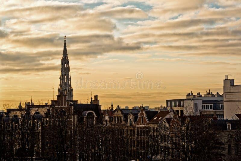 Stadtbild von Brüssel an einem schönen Wintertag bei Sonnenuntergang stockbilder