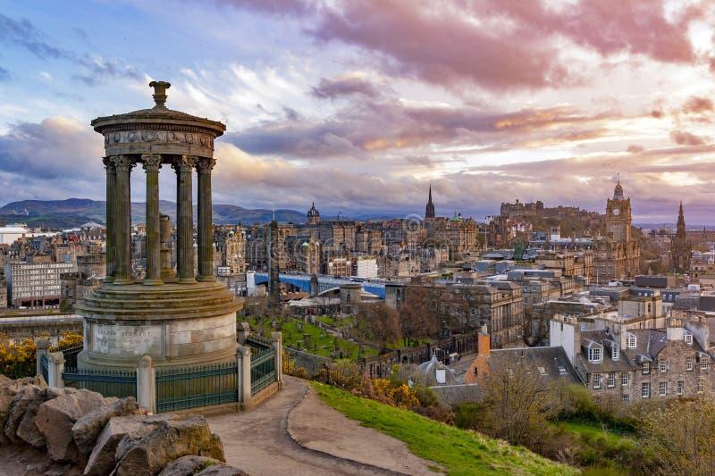 Stadtbild von Edinburgh-Stadt vom Gipfel von Calton-Hügel in zentralem Edinburgh, Schottland, Großbritannien lizenzfreie stockfotografie