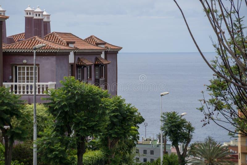 Stadtbild von Puerto de la Cruz lizenzfreie stockfotografie