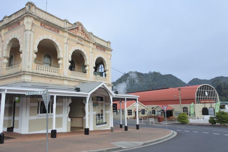 Stadtbild von Queenstown Tasmanien Australien lizenzfreies stockfoto