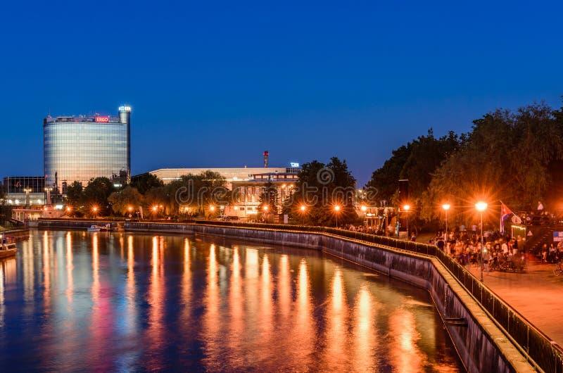 Stadtbild von Tartu in der Nacht stockfoto