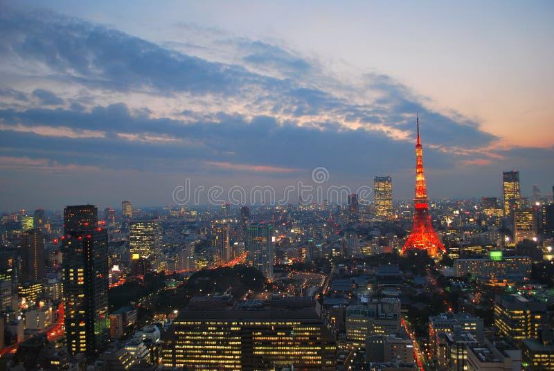 Stadtbildansicht der Tokyo-Stadt während der Dämmerung stockfotografie