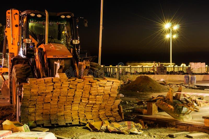 Stadterneuerungs-Baustelle nachts stockfoto