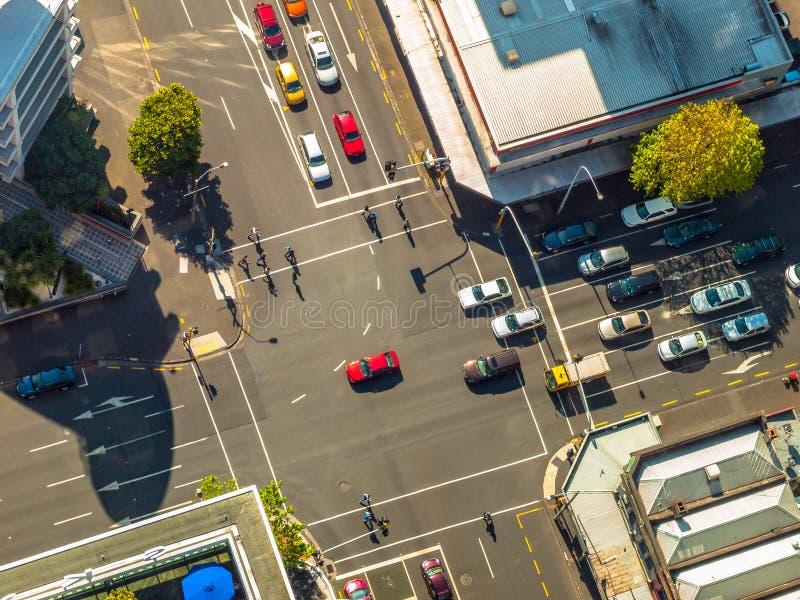 Stadtkreuzungsszene von oben stockfotos