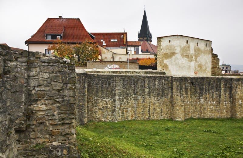 Stadtmauer in Bardejov slowakei stockfotos