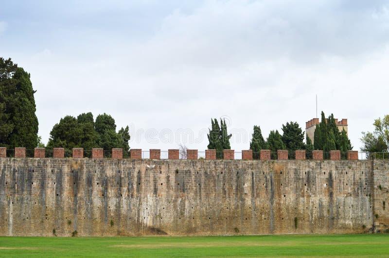 Stadtmauer von Pisa, Italien stockfotografie