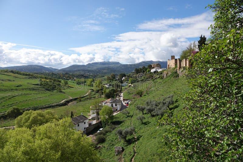 Stadtmauern von Puente San Miguel in Ronda in Andalusien, Spanien lizenzfreie stockfotografie