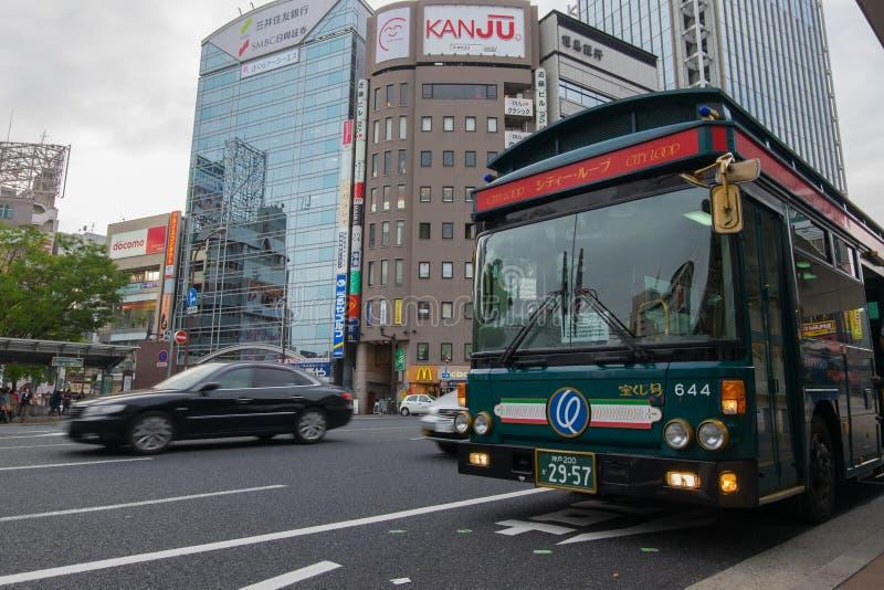 Stadtschleifenbus ist eine populäre Buslinie für Touristen in Kobe, Japan lizenzfreies stockfoto