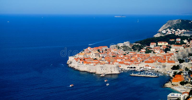 Stadtschloss UNESCO-Vogelperspektive Dubrovniks alte lizenzfreie stockfotografie