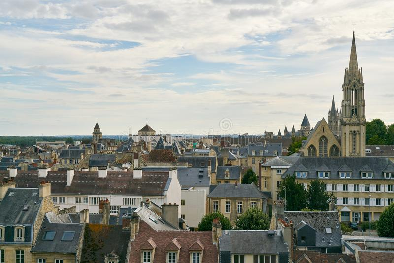 Stadtskyline Caen in Frankreich stockbild