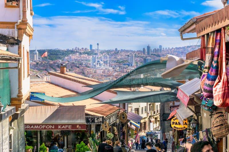 Stadtskyline von Ankara die Türkei und lokale Shops lizenzfreies stockfoto
