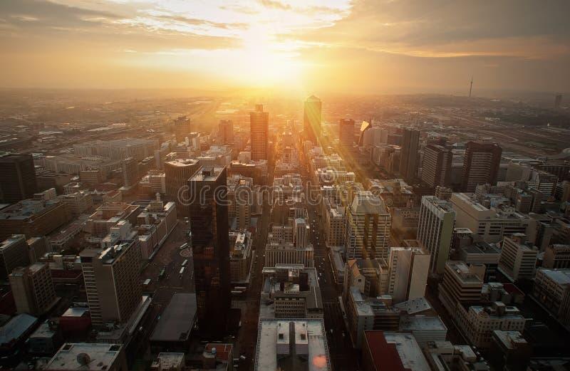 Stadtsonne lizenzfreie stockfotografie