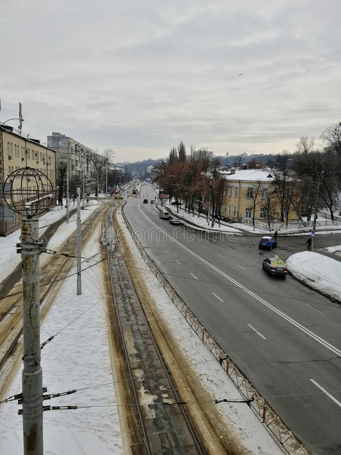 Stadtstraße im Winter stockfotos
