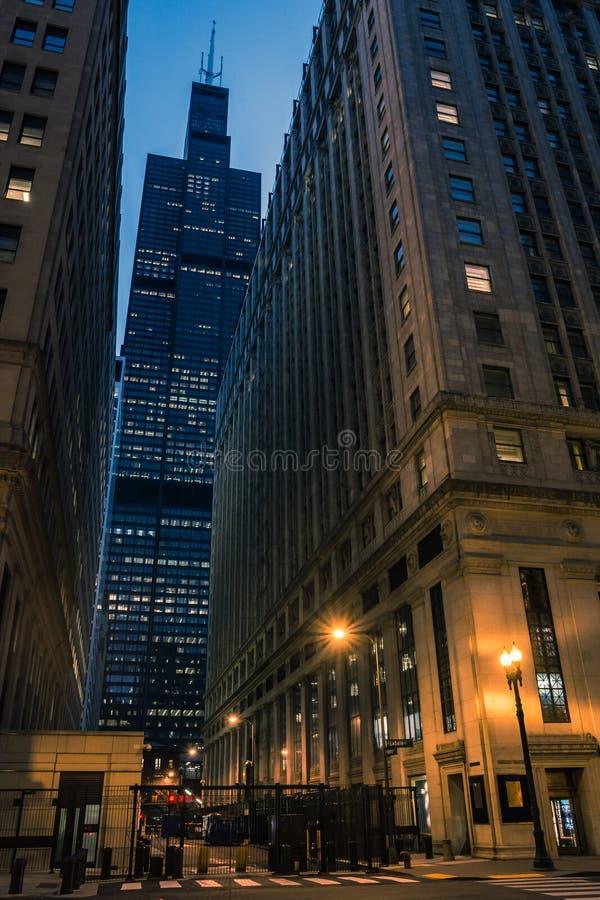 Stadtstraßen-Nachtlandschaft Chicago-Schleife im Stadtzentrum gelegene lizenzfreie stockbilder