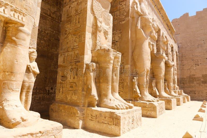 Stadttempel Medinet Habu oder Habu in Luxor lizenzfreie stockfotos