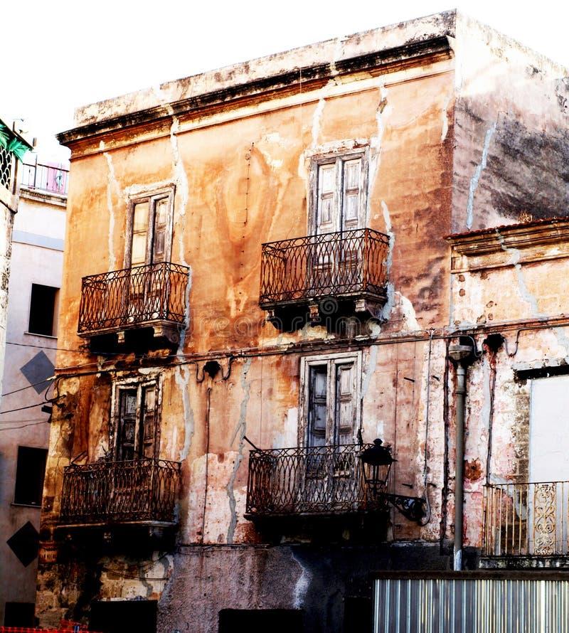 Stadtverfall in Taranto stockbild