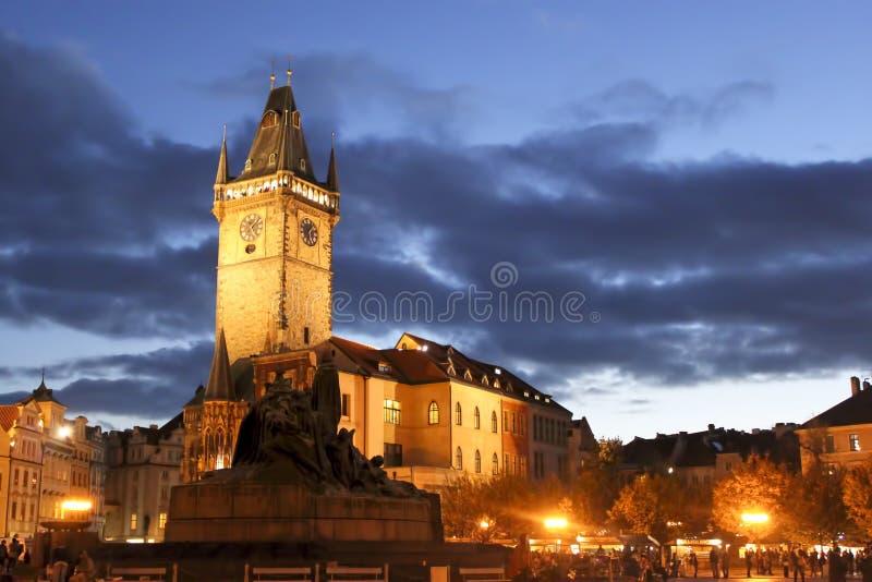 Stadtwohnung auf dem Prag-alten Rathausplatz stockbild