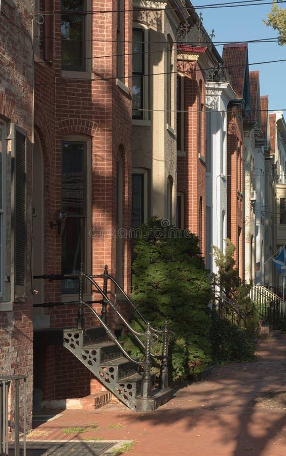 Stadtwohnungs-Nachbarschaft in Frederick lizenzfreie stockfotos