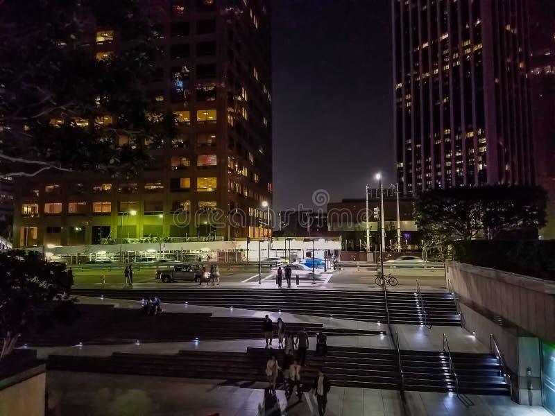 Stadtzentrum nachts lizenzfreie stockfotografie