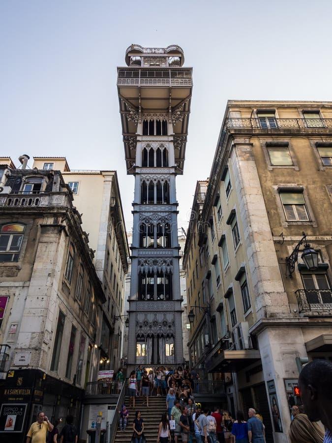 Stadtzentrum Santa Justa-Aufzugs herein von Lissabon, Portugal lizenzfreie stockfotos