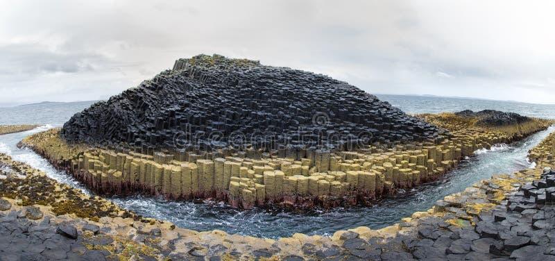 Staffa-Inselpanorama stockbild