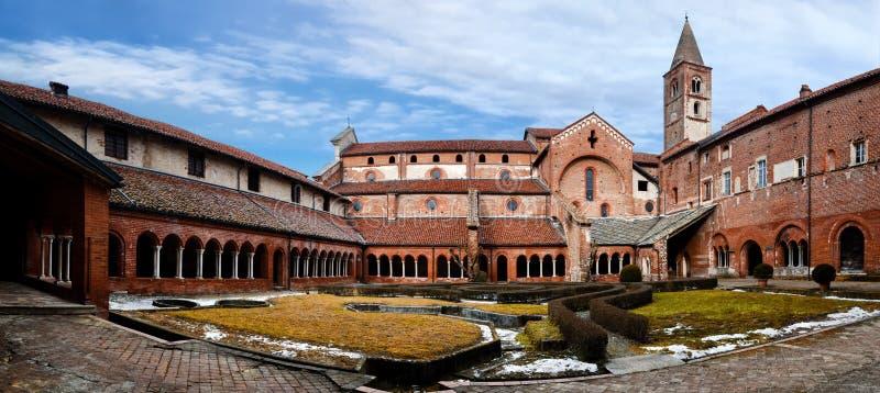 Staffarda雷韦洛,意大利修道院的修道院  库存图片