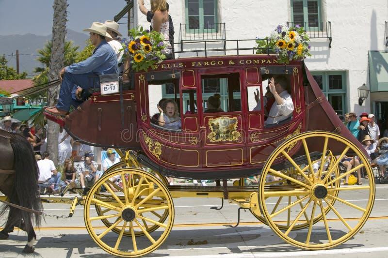 Stagecoach während der Eröffnungstagparade unten State Street, Santa Barbara, CA, alte spanische Tagesfiesta, 3.-7. August 2005 stockbilder