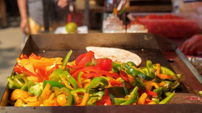 Download Stagione Del Barbecue, Grigliante Verdura Immagine Stock - Immagine di closeup, barbecue: 117975157