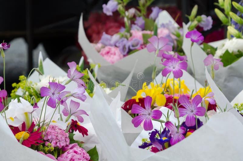 Stagione del fiore al mercato dell'agricoltore di Redmond fotografia stock libera da diritti