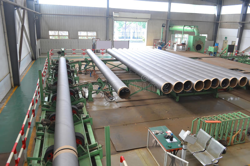 Stahlfabrik nach innen stockfotografie