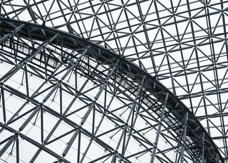 Stahlkonstruktions-Dachmuster Architektur führt modernes Gebäude einzeln auf stockfotos