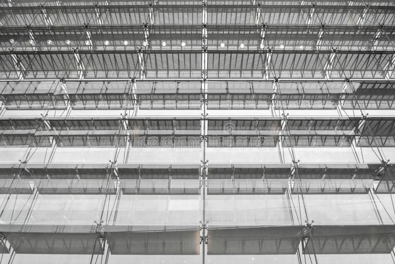 Stahlkonstruktionsdach des Bürogebäudes Windows-Glasfassade SU lizenzfreie stockfotos