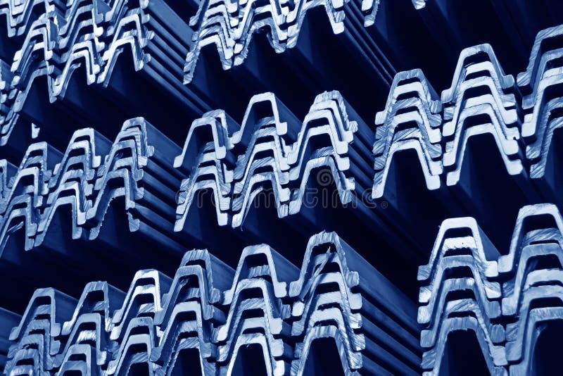 Stahlmaterialprodukte im Querschnitt lizenzfreie stockfotos