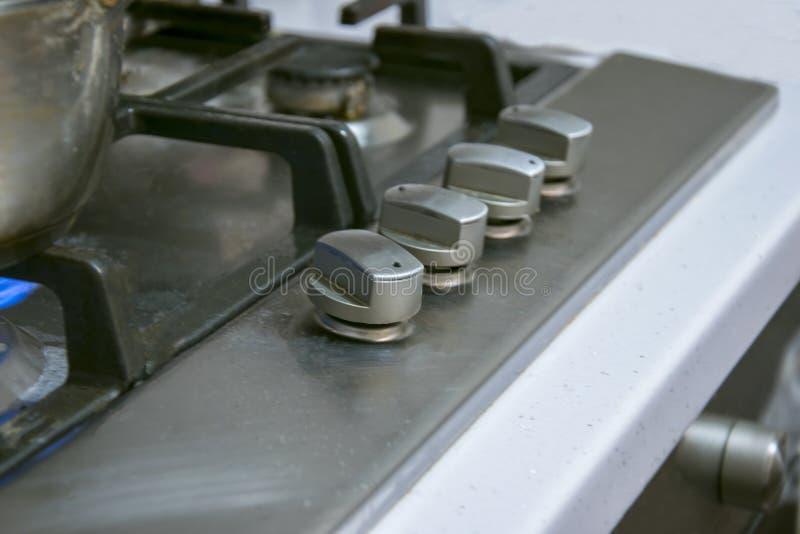 Stahlschalterleistungsanpassung auf dem elektrischen Ofen lizenzfreie stockfotografie