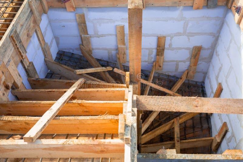 Stahlverstärkung für die konkrete Treppe stockfotos