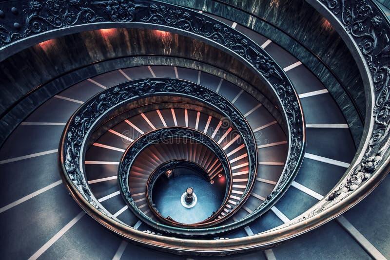 Staircaise en el Vaticano, Roma imagen de archivo libre de regalías