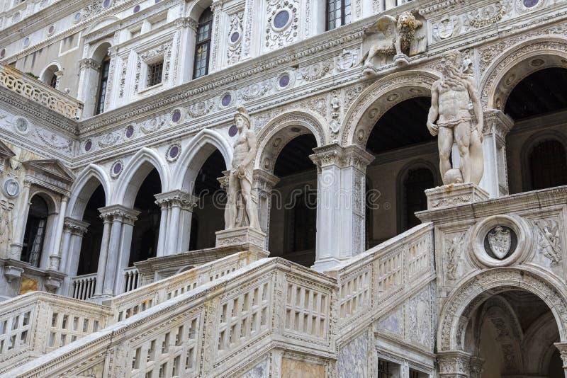 Staircase giganti al Doges Palace fotografia stock