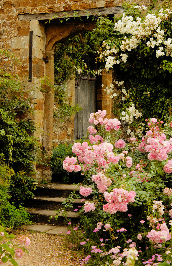 Free Stairs To The Garden Into Medieval Castle Royalty Free Stock Image - 6768426