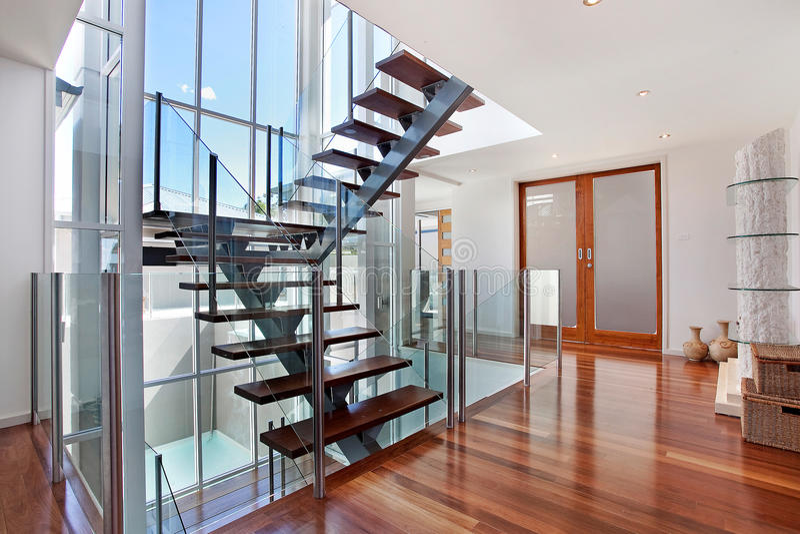 Stairway no sotão fotografia de stock royalty free