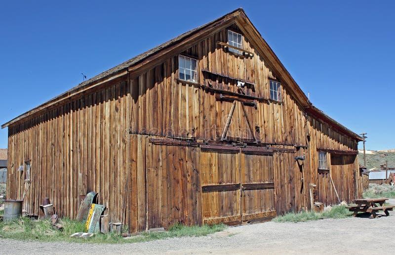 Stajnia w Zaniechanym Złocistym Górniczym miasteczku Bodie, Kalifornia zdjęcia royalty free