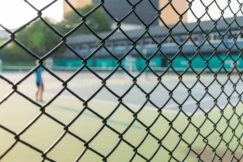 Staket av tennisbanorna arkivfoton