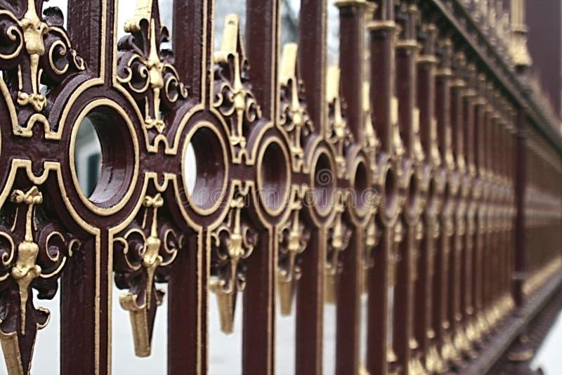Staket för galler för beståndsdeljärn окрашеной texturerat arkivbild