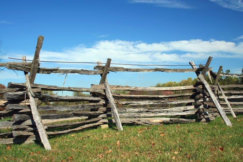 staket staplat trä royaltyfria foton