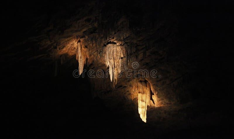Stalactite, 3 dans une caverne images stock