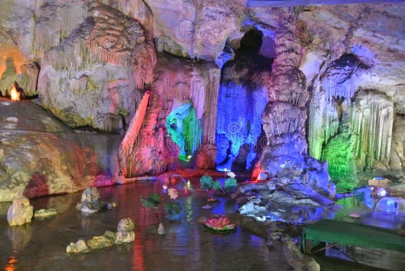 stalactite images libres de droits