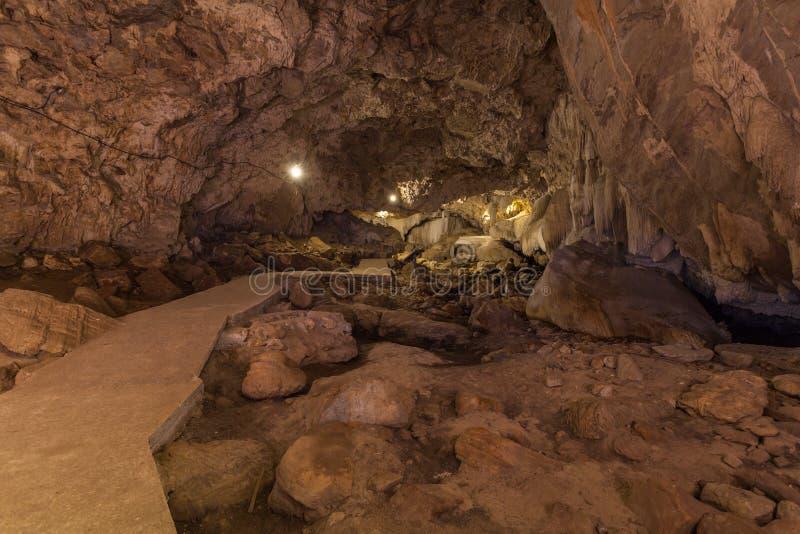 Stalaktitstalaktitform schön innerhalb der Höhle lizenzfreie stockbilder